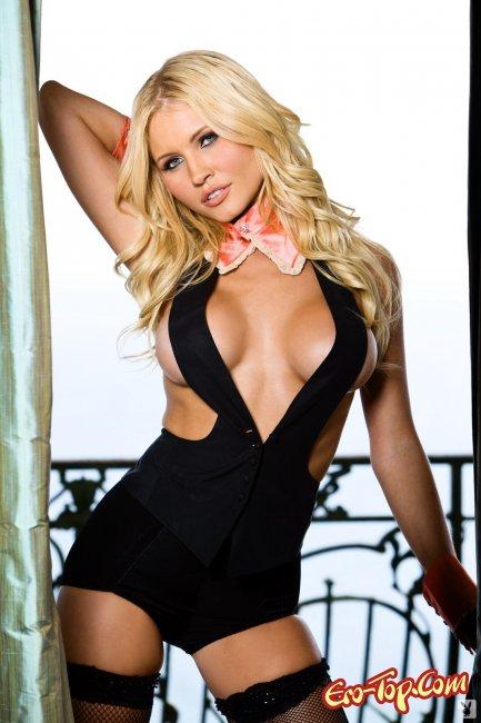 Очень сексуальное тело стройной блонды - смотреть эротику